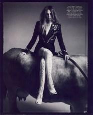 La Couture est dans le Pre Natasha Poly and cows by Patrick Demarchelier Vogue Paris Oct 2007 6