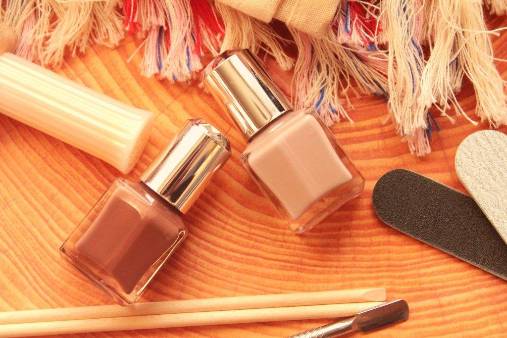 minimal manicure set