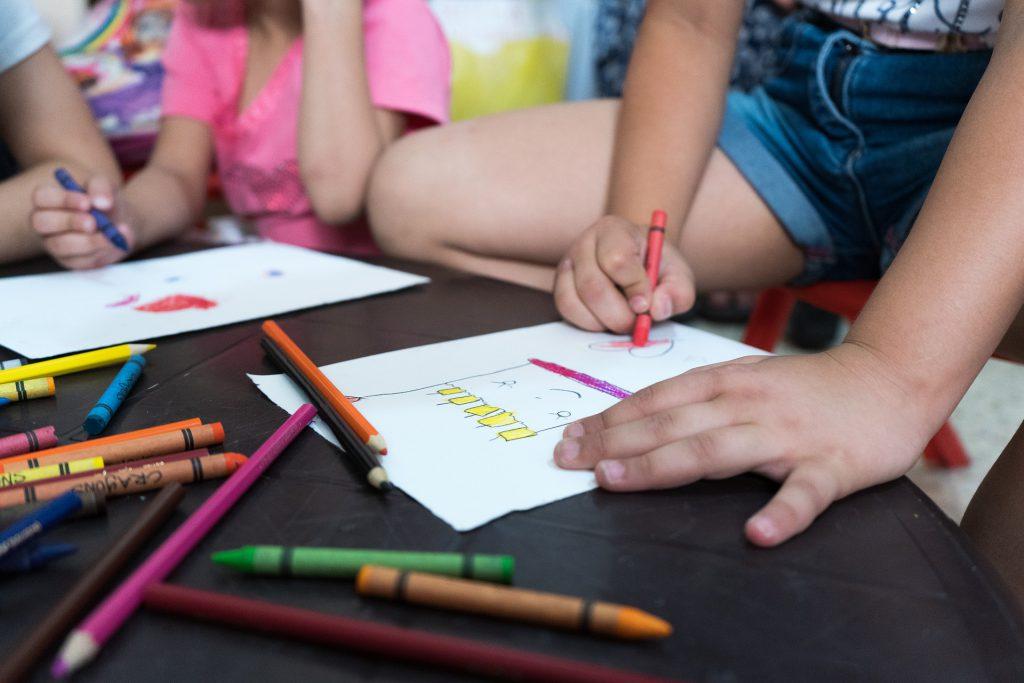 photo of children colouring