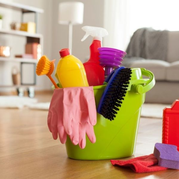 How To Clean Your House Fast When You're Expecting Company