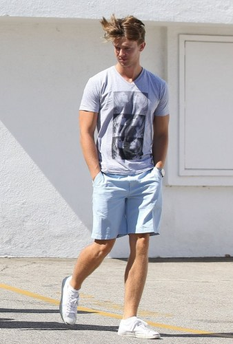 Patrick-Schwarzenegger-Sighting-in-LA-01