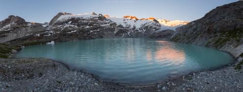 Alpenglühen (Panorama aus 6 Einzelaufnahmen)