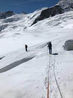 Heikle Schneeverhältnisse zu Beginn auf dem Jungfraufirn