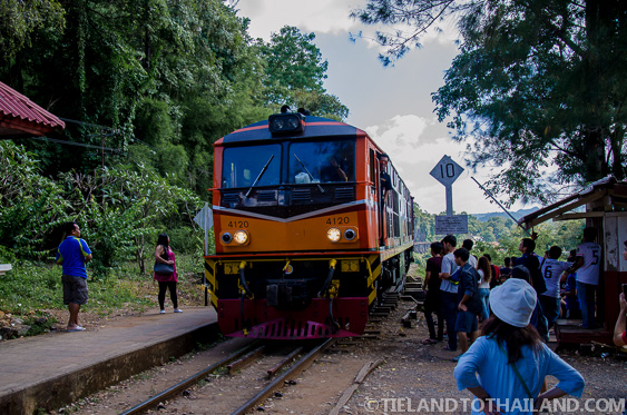 Train approaching the Tham Krasae Station