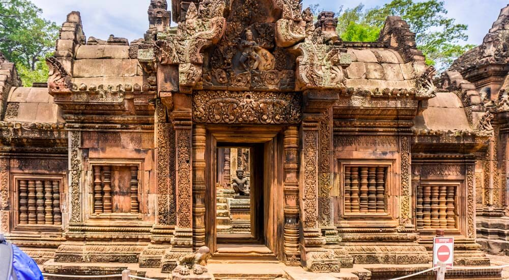 A three day itinerary to Angkor should include Banteay Srei