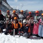 BOLIVIA | Las Cholitas de Bolivia se unieron para conquistar el Aconcagua