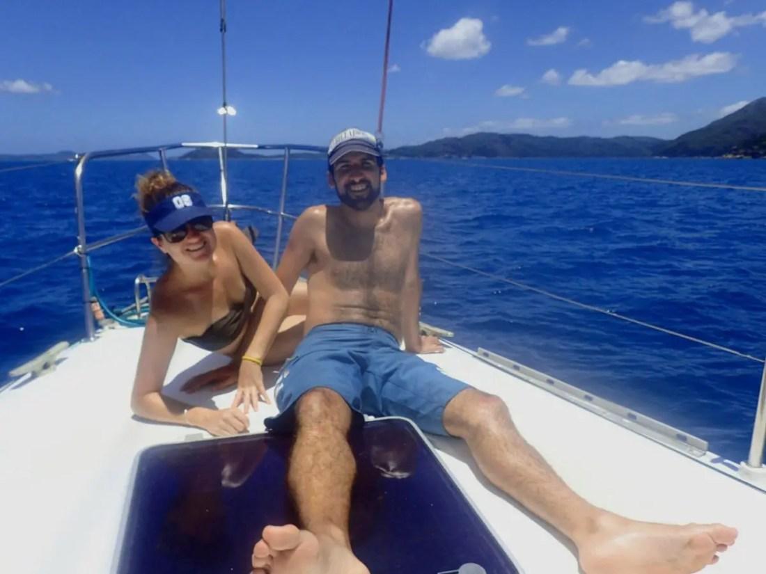 velero en whitsundays para hacer snorkel en la Gran Barrera de Coral