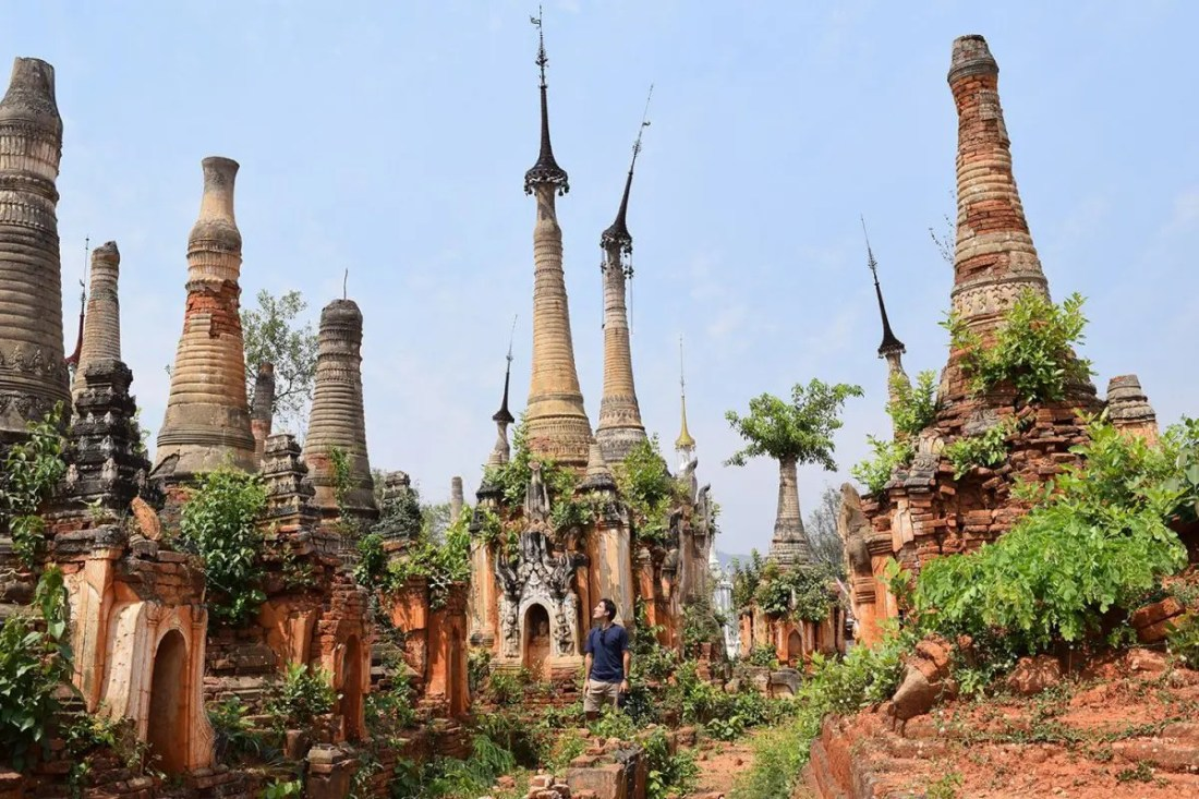 pagoda-Shwe-Inn-Thein-lago-inle-myanmar