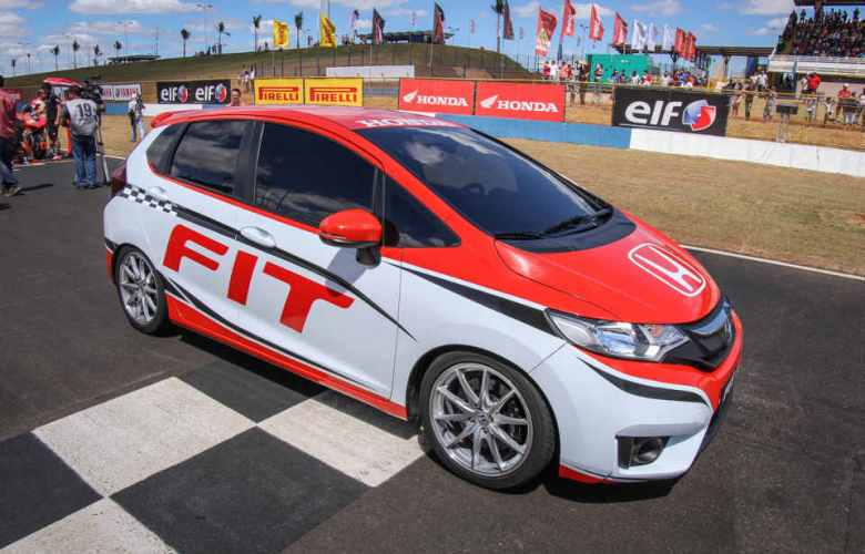 fit-pace-car1.jpg