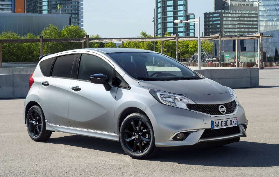 nissan_note_black_edition_1.jpg