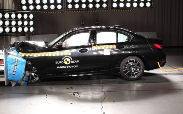EuroNCAP_BMW_Serie_3 (1)