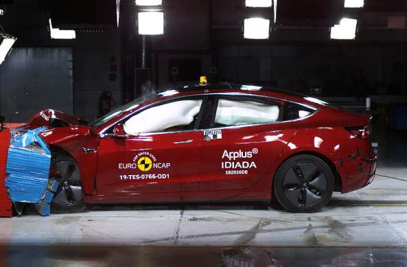 EuroNCAP_Tesla_Model_3 (1)