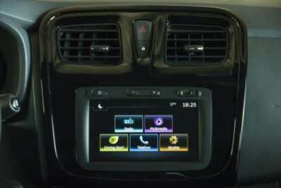 Renault_Sandero_RS_10