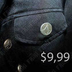 Broche Videojuegos Assassins Creed, Bonita Apariencia, practico, Hermoso material Bronce Niquelado, Color Dorado, Estado Nuevo