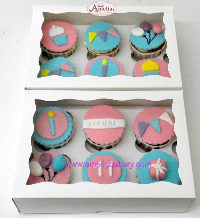 Caja 12 cupcakes cumpleaños con nombre y edad