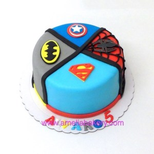 Tarta Fondant Superheroes, Superman, spiderman, batman, Capitan America