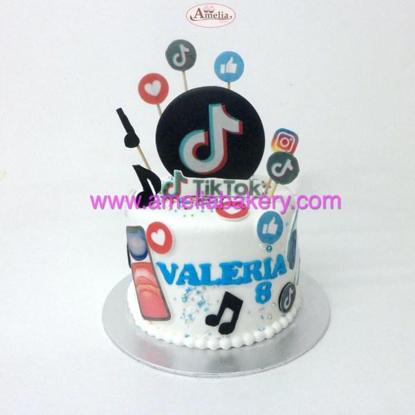 tarta Fondant Tik Tok redes sociales oblea 3d