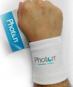 Muñequera de Compresión Photon, consigue activar la circulación sanguínea, logrando una disminución del cansancio.