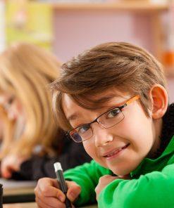 Niños estudiando - PequeIngenieros