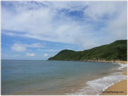 Bãi biển nho nhỏ xinh đẹp ẩn mình ở giữa đảo Nghi Sơn