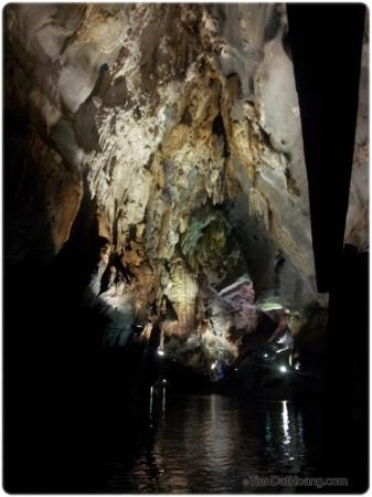 Có giống hang động của yêu tinh không nhỉ?