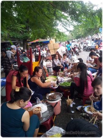 Chợ Đông Ba: đến, ngắm, thèm, và… chụp ảnh.