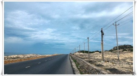 Đoạn ở địa phận Bà Rịa - Vũng Tàu, giống đường ra đầm Môn - cực Đông nhỉ? :D