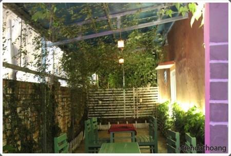 Cafe Iris của em Thu và em Thắng ở số 1, Trần Khánh Dư, Đà Lạt.