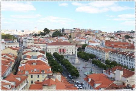Quảng trường nhìn từ Santa Justa.