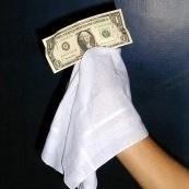 pañuelo blanco para la desaparición del billete