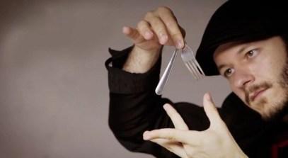 tenedores entre comillas por daniel collado