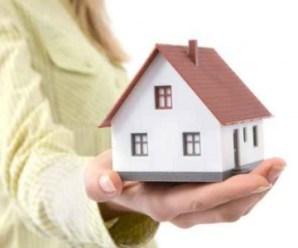 Vợ có được một mình đứng tên mua nhà làm tài sản riêng không?