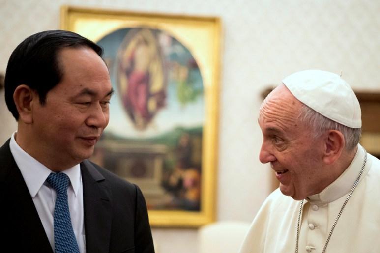 PopeFrancis-Vietnam-01