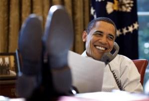 obama-feet-on-desk-21