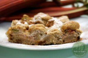Rhabarberkuchen-mit-Nussbaiser