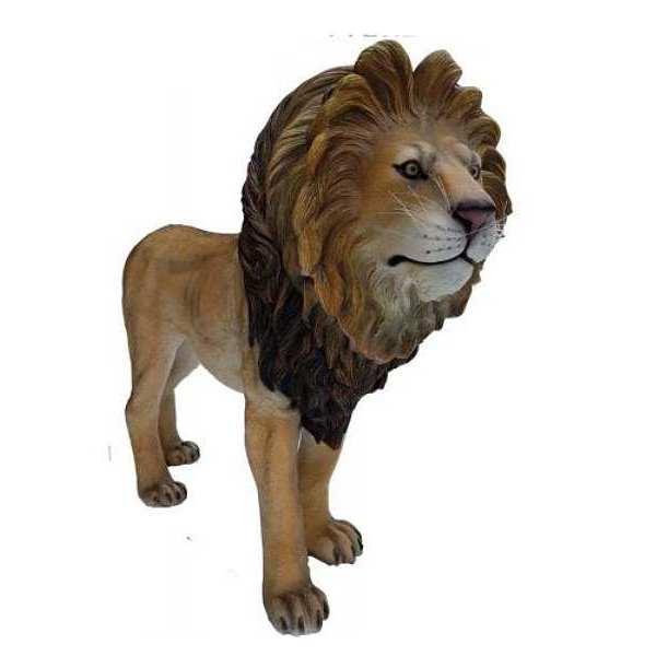 Lebensgrosser Löwe natürlich bemalt