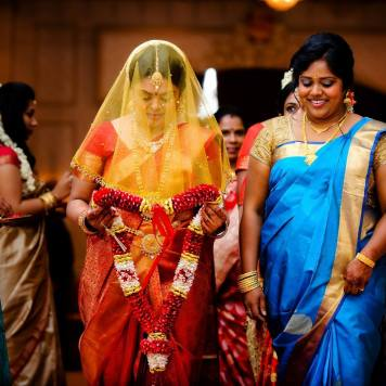 Favourite 20 Tamil Bridal Entrance Songs – Tie The Thali