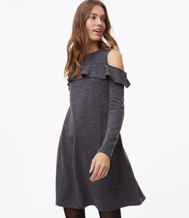 Last minute Thanksgiving dress ideas for dressy and casual looks. Off the shoulder, balloon sleeves and flare dresses.
