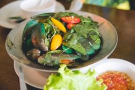 Basil green mussels.