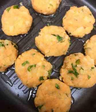 Aloo Tikki in a frying pan