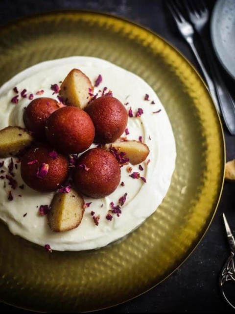 Gulab Jamun Cheesecake on gold plate