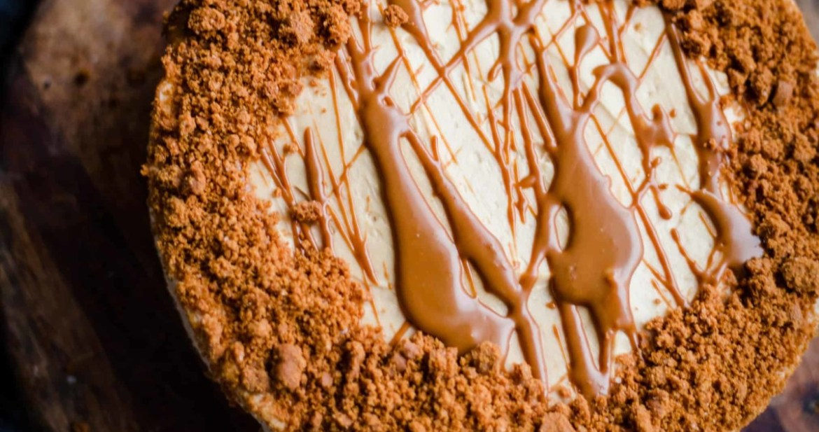 Lotus Biscoff Cheesecake on a wooden board