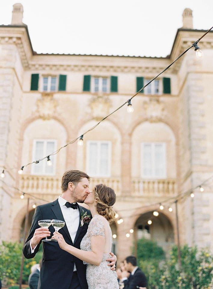 Jen Huang: Fine Art Wedding Photography, Bride and Groom Kissing
