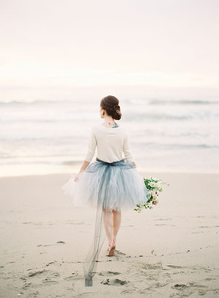 Jen Huang: Fine Art Wedding Photography, Bride Holding Flowers On The Beach