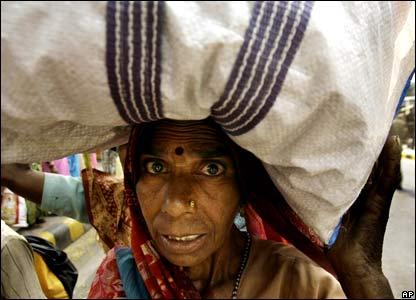 _44478074_india416ap.jpg