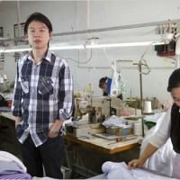 Joven empresario (22) destaca en original ventas de camisas por Internet