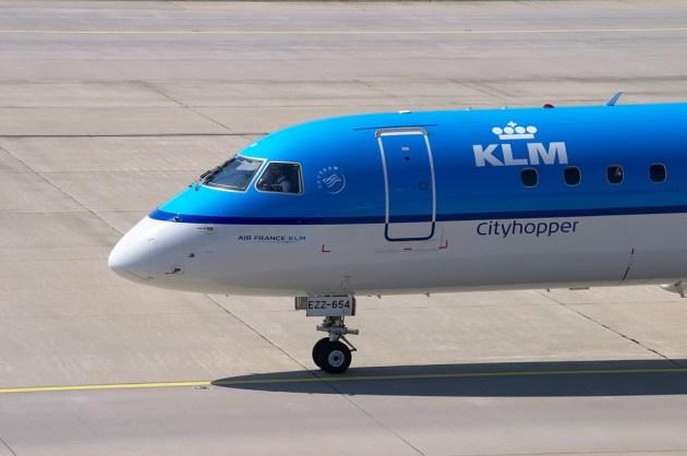 aircraft-1679207_960_720