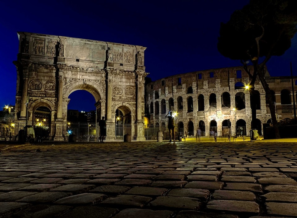 Things to do in Rome at night colosseum