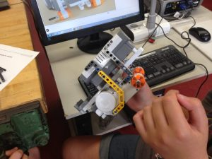 FLL robot chassis