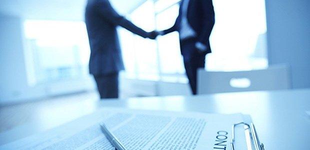 ما الفرق بين وكيل التأمين والوسيط التجاري